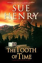 The tooth of time : a Maxie and Stretch mystery