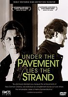 Under the pavement lies the strand Unter dem Pflaster Lieght der Strand